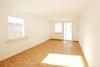 sonniges Wohnzimmer 2-Raumwohnung Reusa